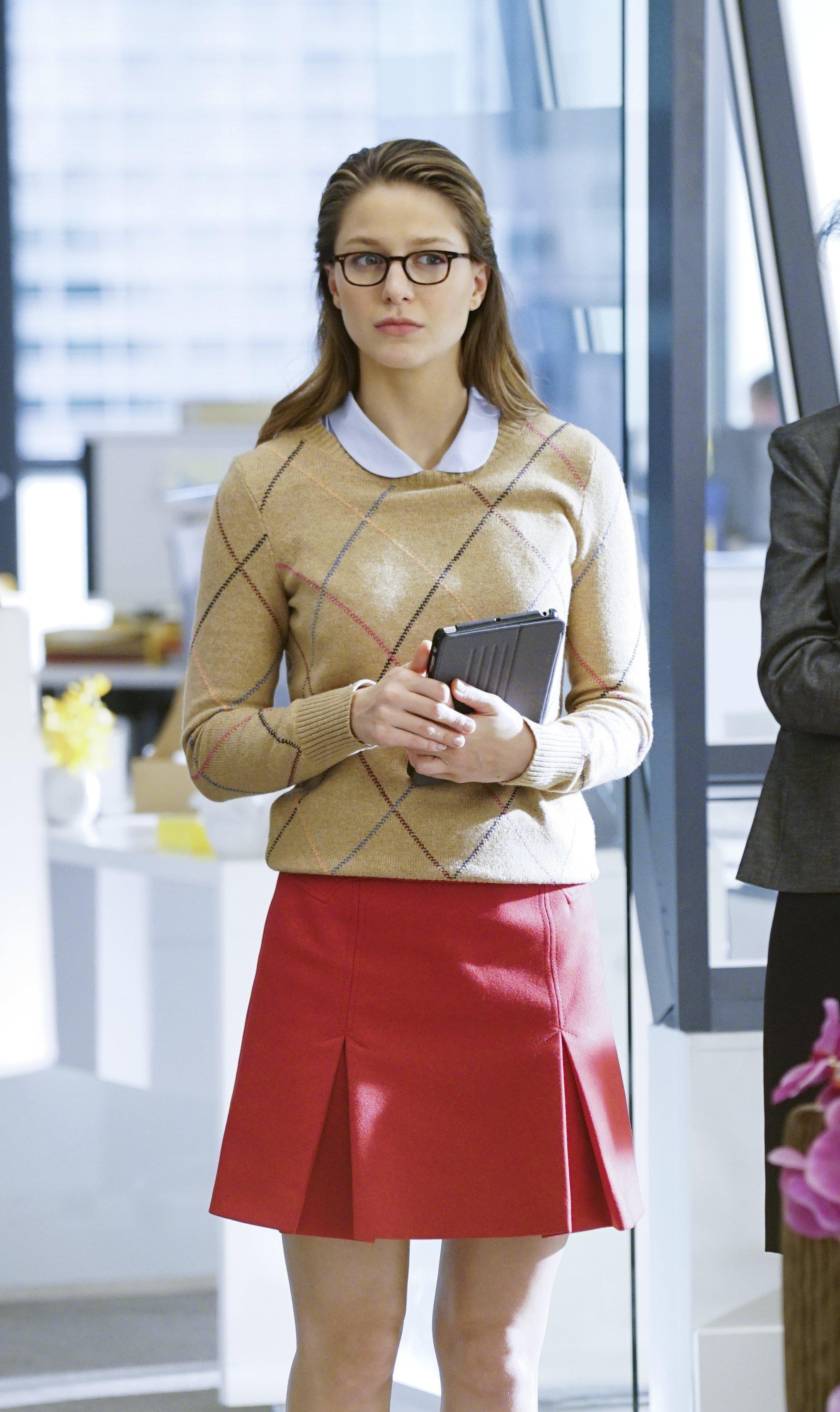 Supergirl-1x12-03