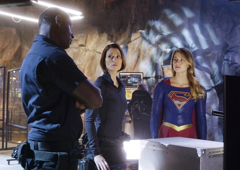 Supergirl-1x12-06