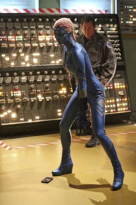 Supergirl-1x15-10