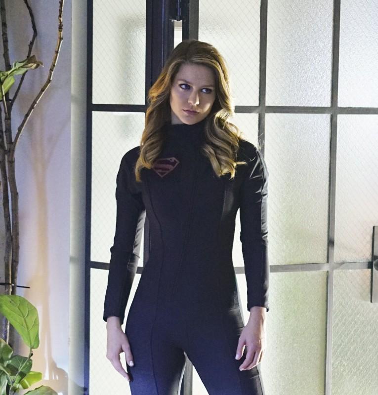 Supergirl-1x16-10