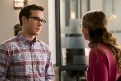 Supergirl-2x05-16-hi-res