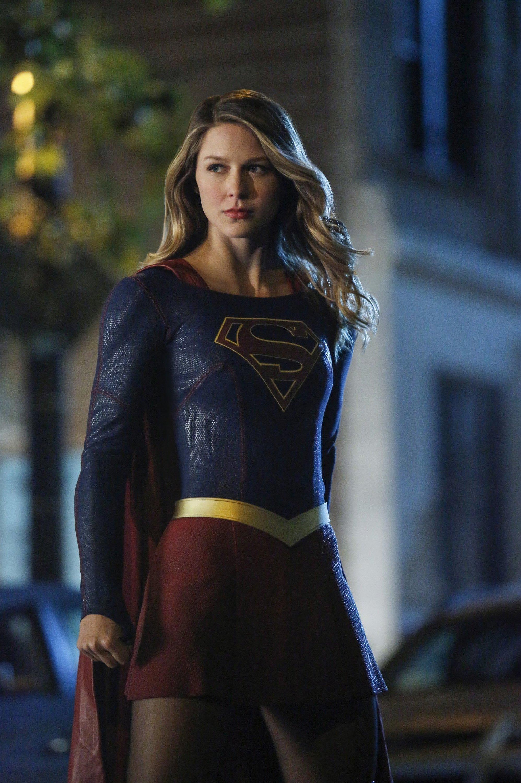 supergirl 2 06 publicity stills changing supergirl maid of might. Black Bedroom Furniture Sets. Home Design Ideas