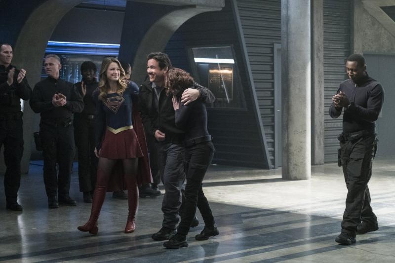 Supergirl 2x14 11