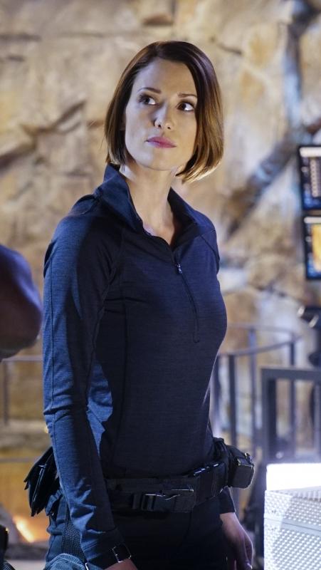 Supergirl-1x12-07