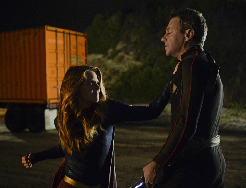 Supergirl-1x13-14