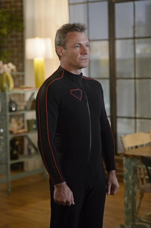 Supergirl-1x14-06