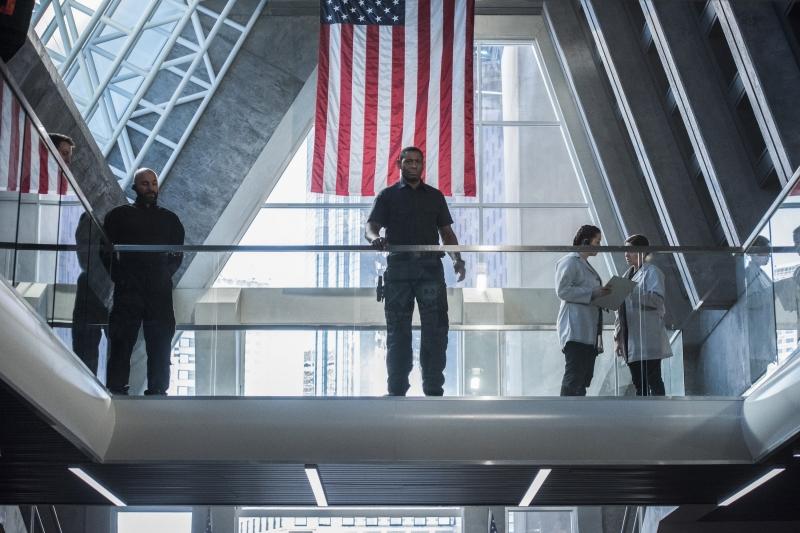 Supergirl 2x16 27