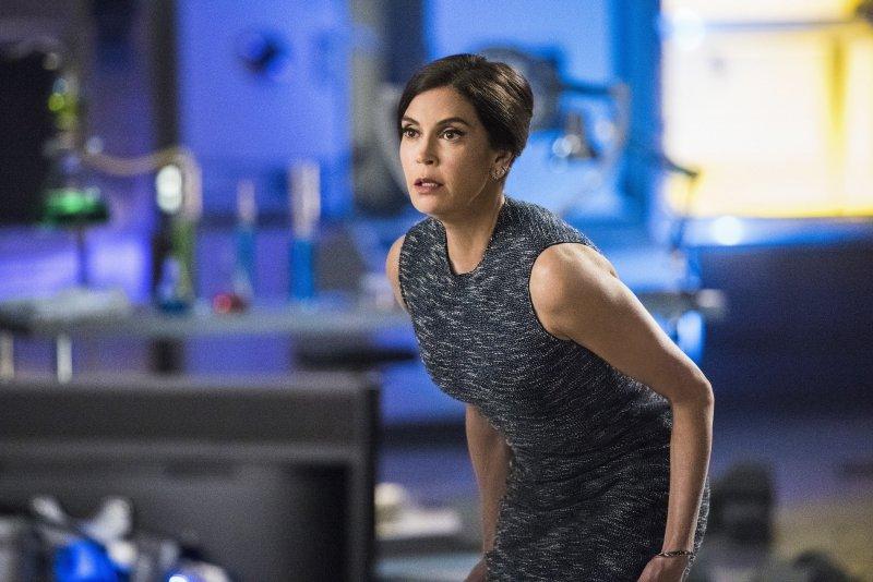 Supergirl 2x20 10