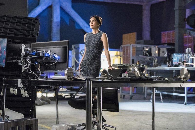 Supergirl 2x20 11