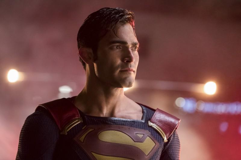 Supergirl 2x22 22