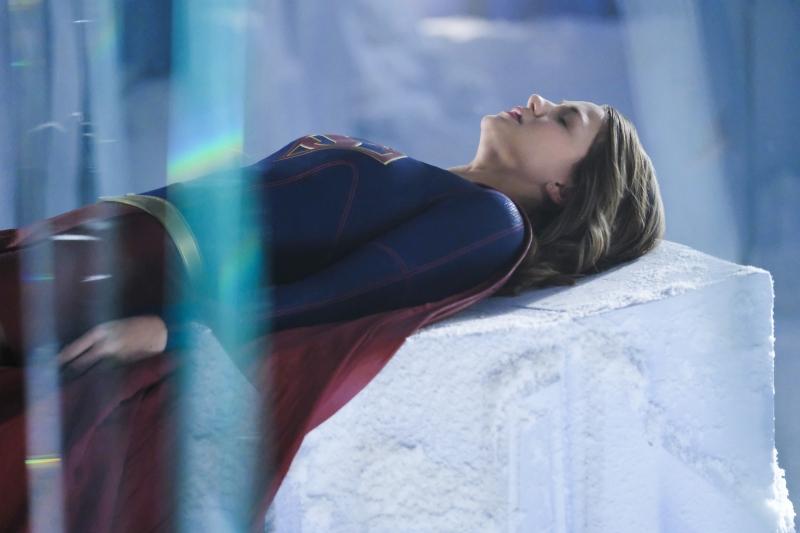 Supergirl 2x22 02