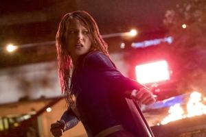 Supergirl 2x22 23